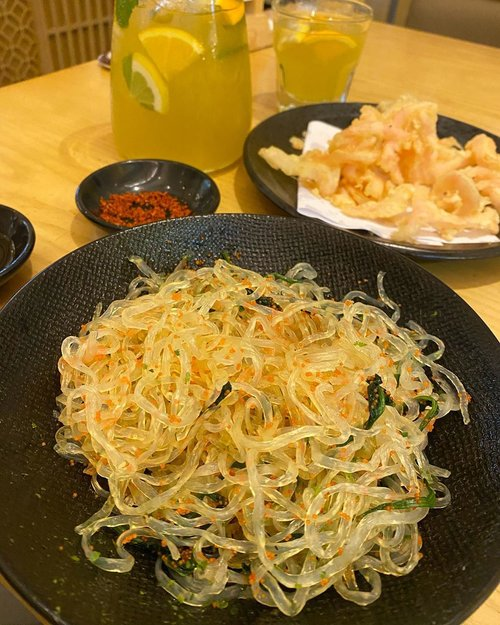 Shirataki noodles with ika (squid) tempura... laaffff  #shiratakinoodles #keto #ketorecipes #ketoweightloss #zerocalories #sushitei #lunch #foodoftheday #foodies #yums #sogood #love #musttry #clozetteID #recommended #delicious