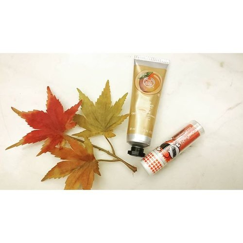 It's fall and everything is getting colder. A good hand Cream and lip balm becomes essential. But they dont have to be boring,  with fruity notes such as mango and reddish berries hint, daily necessity becomes a delight.  #fall #autumn #skincare #drylips #dryskin #handcream #thebodyshop #clozetteid #clozette #beautyblogger #lipbapm