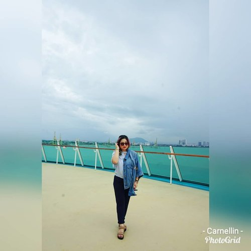 Arrived in Penang Cruise Port of Call in this super cloudy day.  #royalcaribbean #cruise #Penang #travel #holiday #holidaymood #trip #clozetteid #lotd #motd #ootd #style #fashion #lookbook