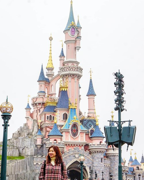 In front of Sleeping Beauty Castle.#carnellinstyle #live #love #fashion #fashionoftheday #ClozetteID #outfit #outfitinspo #outfitoftheday #motd #lotd #potd #photooftheday #style #styleoftheday #dressoftheday #dress #dressedup #beauty #hello #travelwithCarnellin