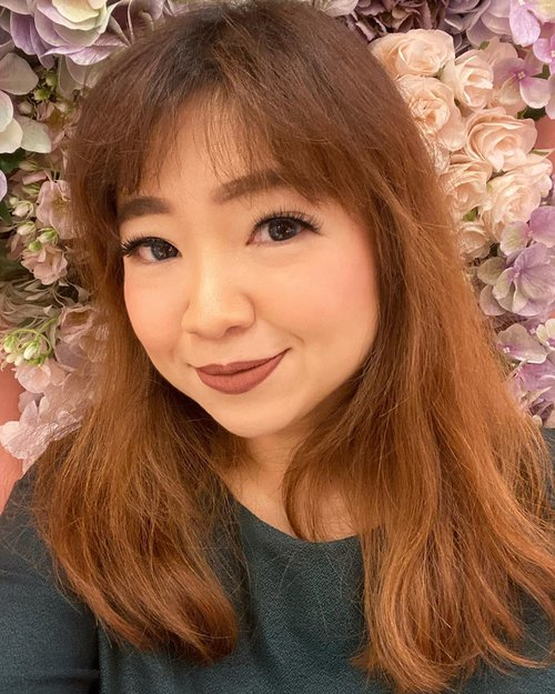First selfie of the day. #igstyle #igbeauty #selfie #motd #lotd #ootd #makeup #makeuptoday #makeoftheday #hello #clozetteid #flowers #decor #design