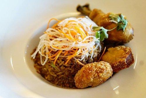 Nasi Goreng Kampung ala @mo_jakarta  Exactly a week ago we're having this in the comfort of our room .... jadi pengen lagi kannn.  #nasigoreng #nasigorengkampung #yums #foodies #foodgasm #fooddiary #mandarinorientaljakarta #mandarinoriental #love #clozetteID #enak #yummy #delicious #indonesianfood #jakarta #lifeinJakarta