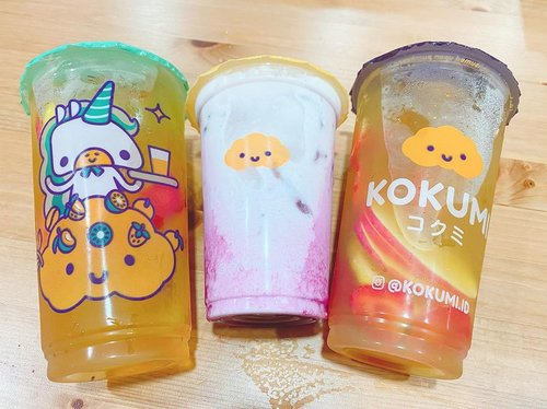 Keisengan hari ini.... siapa bilang dirumah aja bisa ga jajan, selama ada grabfood promo mah belii aja teruss 😝@kokumi_id #kokumi #drinks #tea #drinkoftheday #potd #photography #photooftheday #colors #unicorn #unicorndrink #love #clozetteID #cutenessoverload #cuteness #hello #beauty #colors #fruits #milky #design #clouds