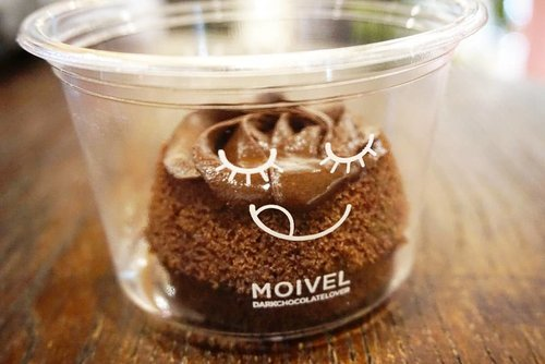 Lucu banget ya 😁#moivel #cake #chocolatecake #darkchocolate #chocolate #desserts #dessertoftheday #love #yums #ClozetteID #potd #photography #photooftheday