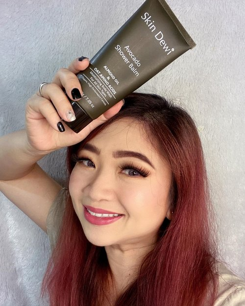 Review untuk @skindewi Avocado Shower Balm sudah ada dihttps://youtu.be/ZeAZCMJOz44Find out why I love it so much.______Mari, para kulit kering dan sensitif bersatu disini 😆#sensitiveskin #kulitsensitif #kulitkering #skindewi #skindewijourney #skindewicircle #sabunkulitkering #sabunkulitsensitif #sabunbaby #sabunbabyaman #sabunorganik #clozetteID