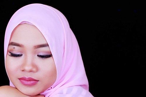 #FOTD #Brow @anastasiabeverlyhills Dipbrow pomade dark brown 👀 @loraccosmetics palette one @zoyacosmetics eyeliner  @lavielash best seller value pack 👄 @colourpopcosmetics lippie stix lumiere matte . . . . . . . . .  #makeupoftheday #motd #beautyvlogger #beautyblogger #hijabblogger #indonesianbeautyblogger #ofisuredii  #mayamiamakeup #hudabeauty #eyemakeuptutorial #loracpropalette #colorpop #lumiere #pinkhijab #clozetteID #muapontianak