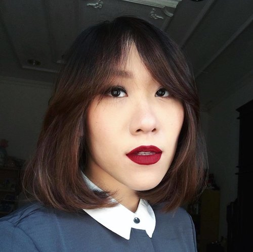 Red lips always makes me more special. On my lips is @colourpopcosmetics Ultra Matte Lip in shade Avenue. . Full review is on the blog: bit.ly/colourpopuml (head over to bio for easy click) . #colourpop #ultramattelip #redlip #redlipstick #beauty #makeup #cosmetic #fotd #classic #shorthair #midihair #review #colourpopreview #clozette #clozetteid #clozettedaily #fdbeauty