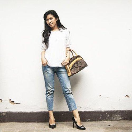 Brightening Monday!  #ootd #starclozetter #clozetteid #petitefashion #lookbookindonesia #lookbook #instafashion #outfit #heels #fashionblogger