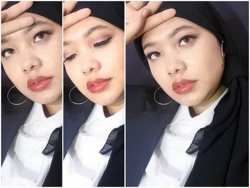 Pose pusing mikir sahur masak apa. Btw memasuki usia 28 tahun, berarti tinggal 7 tahun lagi batas ikut CPNS eaaaa 🤭 . . . #randomtalk #dailylife #Clozetteid #hijabblack #28thbirthday