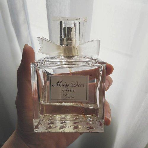 I'm Too Sad to Tell You. #mood #dior #diormakeup #diorbeauty #eaudeparfum #fragrance #scent #smellingood #perfume #perfumes #perfumery #beautyaddict #beautyjunkie #beauty #instabeauty #beautyhaul #parfum #vscobeauty #beautyshareit #fdbeauty #clozetteid #clozette #clozetteco #beautyblogger #beautyeverywhere