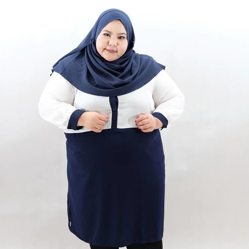 "<div class=""photoCaption"">Currently favorite color combo: white and navy🌌🌁---Wearing two tone tunic from @iwearalice. Ayooo udh pada beli baju Lebaran beloommm? Cusss beli!😂😂😂 •••• <a class=""pink-url"" target=""_blank"" href=""http://m.id.clozette.co/search/query?term=effyourbodystandards&siteseach=Submit"">#effyourbodystandards</a>  <a class=""pink-url"" target=""_blank"" href=""http://m.id.clozette.co/search/query?term=casual&siteseach=Submit"">#casual</a>  <a class=""pink-url"" target=""_blank"" href=""http://m.id.clozette.co/search/query?term=ootd&siteseach=Submit"">#ootd</a>  <a class=""pink-url"" target=""_blank"" href=""http://m.id.clozette.co/search/query?term=bigandblunt&siteseach=Submit"">#bigandblunt</a>  <a class=""pink-url"" target=""_blank"" href=""http://m.id.clozette.co/search/query?term=bigsizeootd&siteseach=Submit"">#bigsizeootd</a>  <a class=""pink-url"" target=""_blank"" href=""http://m.id.clozette.co/search/query?term=celebratemysize&siteseach=Submit"">#celebratemysize</a>  <a class=""pink-url"" target=""_blank"" href=""http://m.id.clozette.co/search/query?term=curvyasian&siteseach=Submit"">#curvyasian</a>  <a class=""pink-url"" target=""_blank"" href=""http://m.id.clozette.co/search/query?term=plussizeasian&siteseach=Submit"">#plussizeasian</a>  <a class=""pink-url"" target=""_blank"" href=""http://m.id.clozette.co/search/query?term=curves&siteseach=Submit"">#curves</a>  <a class=""pink-url"" target=""_blank"" href=""http://m.id.clozette.co/search/query?term=whatiwear&siteseach=Submit"">#whatiwear</a>  <a class=""pink-url"" target=""_blank"" href=""http://m.id.clozette.co/search/query?term=navy&siteseach=Submit"">#navy</a>   <a class=""pink-url"" target=""_blank"" href=""http://m.id.clozette.co/search/query?term=wiw&siteseach=Submit"">#wiw</a>  <a class=""pink-url"" target=""_blank"" href=""http://m.id.clozette.co/search/query?term=clozetteid&siteseach=Submit"">#clozetteid</a>  #인스타패션 #인스타뷰티  #플러스사이즈  #오늘의의상   <a class=""pink-url"" target=""_blank"" href=""http://m.id.clozette.co/search/query?term=bodypositive&siteseach=Submit"">#bodypositive</a>  <a class=""pink-url"" target=""_blank"" href=""http://m.id.clozette.co/search/query?term=beautyhasnosize&siteseach=Submit"">#beautyhasnosize</a>  <a class=""pink-url"" target=""_blank"" href=""http://m.id.clozette.co/search/query?term=instadaily&siteseach=Submit"">#instadaily</a>  <a class=""pink-url"" target=""_blank"" href=""http://m.id.clozette.co/search/query?term=hijabootd&siteseach=Submit"">#hijabootd</a>  <a class=""pink-url"" target=""_blank"" href=""http://m.id.clozette.co/search/query?term=plussizelife&siteseach=Submit"">#plussizelife</a>  <a class=""pink-url"" target=""_blank"" href=""http://m.id.clozette.co/search/query?term=kemalasariendorsement&siteseach=Submit"">#kemalasariendorsement</a></div>"