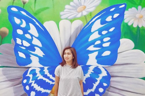 Sometimes all we need is transformed like butterfly and fly. . . . . . #3d #wallart #sunday #fly #butterfly #mural #wall #3dart #travel #travel #instatravel #blogger #travelblogger #instadaily #instagood #instamood #instamoment #clozetteid #like4like