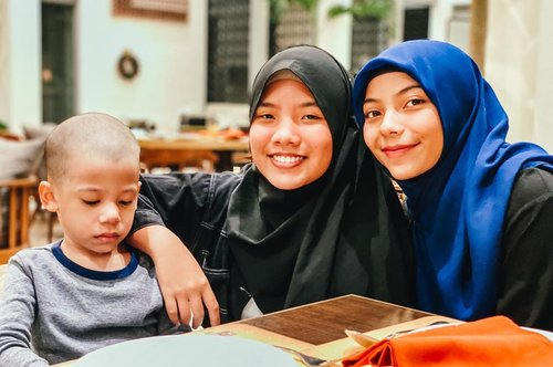 "My strenght and my ""WHY"" 🥰 . . . #kids #kiddos #brotherandsister #familyphotography #blogger #momblogger #emakblogger #bloggerperempuan #clozetteid #saturdayvibes"