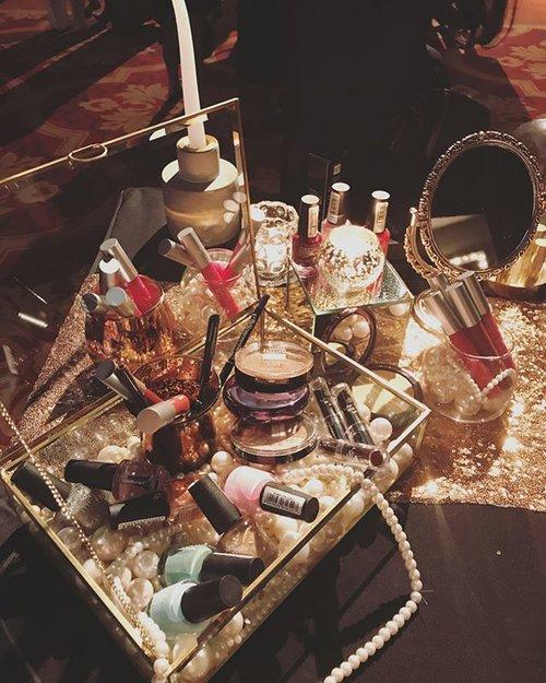 Treasure Box by @lakmemakeup #lakmetrendgala #lakmemakeup #Lakme #makeup #cosmetic #beauty #beautyblogger #femaledaily #fdbeauty #clozetteid