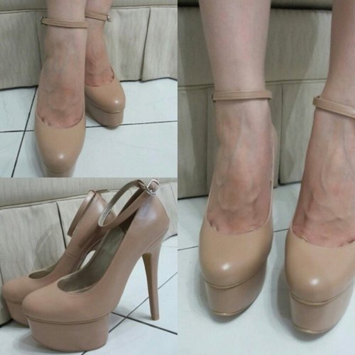This pump shoes is so me! I love it.. simply because its NUDE, simple, and its 14 cm... hehehe#me #pumpshoes #shoes #shoesaddict #nudeheels #nudeshoes #style #styles #stylenanda #loveit  #likeit #femaledaily #femaledailynetwork #fdbeauty #fashion #clozettedaily #clozetteid