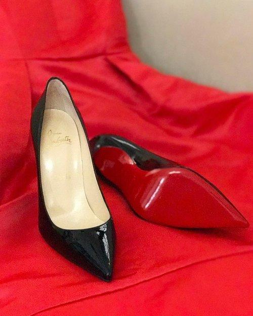 red festive season ❤🐲🐉 #teamlouboutin #louboutin #louboutins #louboutinaddict #louboutinworld #shoesoftheday #clozetteambassador #clozetteid #redsoles #clozetteid