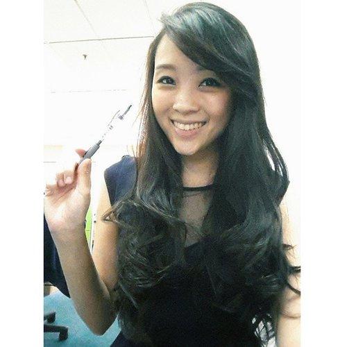 Happy working everyone! Yeaaayyy besok liburrr.... #theresiajuanita  Www.theresiajuanita.com  #girl #selfie #asiangirl #longhair #bangs #banker #indonesian #paninbank #panin #navyblue #office #officestyle #cotw #clozette #clozetteambassador #clozetteid #officelife #office