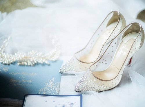 Every woman needs a magical shoes on her magical day ❤️ this is my pick... louboutin follie strass 100mm... my love at first sight shoes... #weddingshoes #shoes #louboutin #louboutinshoes #folliesstrass #folliesstrass100 #instagram #instashopping #weddingshoes #clozetteid