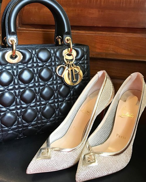 The beauty of Lady Dior and NeoAlto metal pump shoes... But they need a sole protector and the twillies.. #louboutinjakarta #louboutinlover #louboutinaddict #loubotinworld #teamlouboutin #redsoles #ladydior #dioraddict #dior代購  #clozetteid #styles #instagood #instamood #instadaily #instastyle #instafashion #clozetteambassador