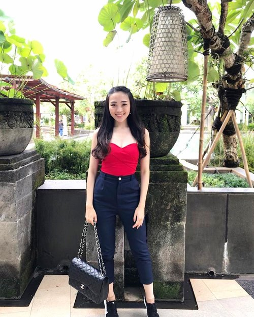 Pretty sure, i'm not the only one counting days to christmas long holiday ! I can't believe we're already on the last advent week! #sayaLB #womenofLB #LBootd #lovebonito #ootd #ootdindo #ootdasean #outfit #style #styles #styleoftheday #red #lookbook #lookbookondonesia #lookbooklookbook #holiday #christmas #instastyle #instagram #instagood #pictureoftheday #holidayseason #clozette #clozetteambassador #clozetteid #fdbeauty