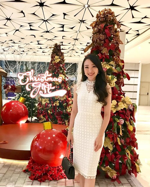 Because today is still christmas and i don't want it to leave so soon.. wishing you peace all year round, all because Jesus is born again in our heart, Merry Christmas insta friends ❤️ #christmas #christmastree #christmas2018 #merrychristmas #merrychristmas2018 #ootd #christmasdecor #christmasoutfit #ootdindo #ootdasean #outfit #outfitoftheday #outfitinspo #lookbook #lookbooklookbook #lookbookmelove #lookbookindonesia  #style #styles #styleblogger #clozetteid #clozetteambassador #LBootd #lovebonito #lovebonitoindonesia #womenoflb #iwearlovebonito #sayaLB