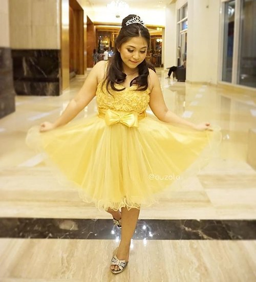 🌟 Belle inspired party outfit 🌟#ootd #outfit #outfitoftheday #belle #party #weddingparty #ritzcarlton #princessbelle #disneybound #disneybounding #gold #golden  #dress #clozetteid #disneyinspired #inspiredoutfit #beautyandthebeast #disney #disneyindonesia #disneyprincess #princess #blogger #beautyblogger #partyoutfit #chubby #indonesianbeautyblogger #disneyindo #jakarta #naturalmakeup #makeup