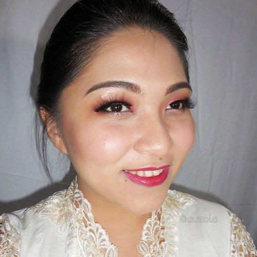 Trying to look like a traditional woman 😆 #makeup #anastasiabeverlyhills #clozetteid #bhcosmetics #nyxcosmetics #valerievixenart #thebalmcosmetics #makeupcrazyhead #makeupfanatic1 #themakeupstory #mayamiamakeup #vegas_nay #dressyourface #auroramakeup #lvglamduo #hudabeauty #fotdibb #makeupjunkie #dehsonae #bobbieeller #makeupaddict #lovemakeup #vanitymafia #harikartini #kartini #traditionalmakeup tradisional #indonesia