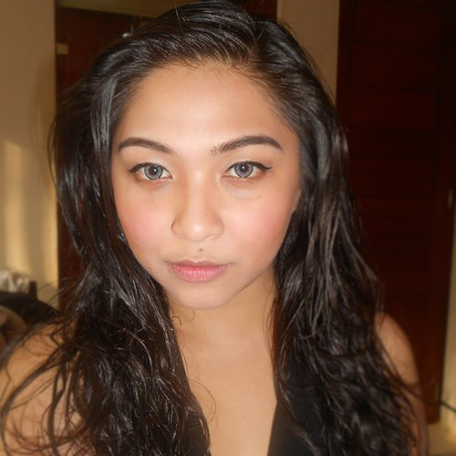 Throwback: me, Bali, after bath, long curly messy hair, grey softlens, bare lips, natural makeup look. 💋 I miss my long hair and i miss holiday! #dressyourface #auroramakeup #lvglamduo #hudabeauty #fotdibb #makeupjunkie #dehsonae #makeupaddict #lovemakeup #vanitymafia #pinkperception #clozetteid #makeup #anastasiabeverlyhills #asian #longhair #bali #ubud #throwback #holiday #naturalmakeup #barelips