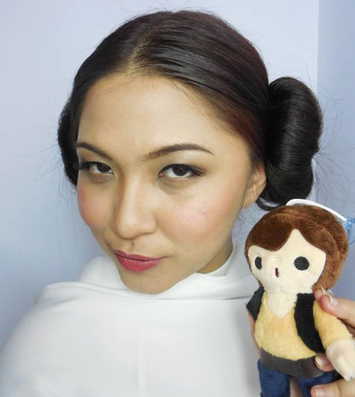 Sebenarnya kepo sama film nya si Han Solo, cuma i'm afraid it's gonna be a disappointment hahaha 😅 . . . . #hansolo #princessleia #disney #disneybound #starwars #soloastarwarsstory #makeup #hudabeauty #undiscovered_muas #blogger #influencer #bloggerceria #cchannelid #bloggermafia #clozetteid #fdbeauty #beautybloggerindonesia @beautybloggerindonesia @tampilcantik #tampilcantik