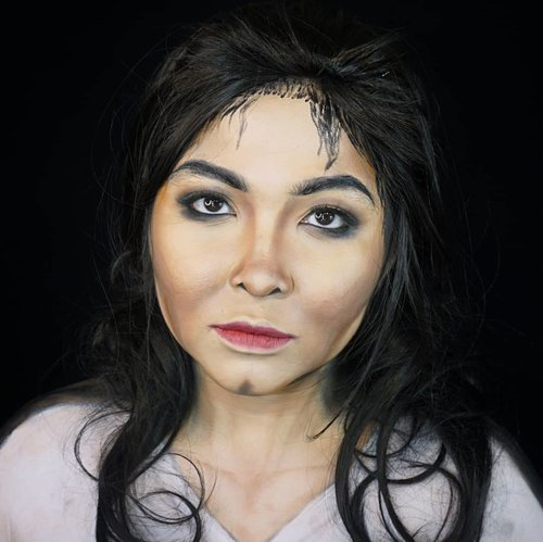Throwback makeup transformation as @michaeljackson  . Check out tutorial here #auzolatutorial . . . . #auzolamakeupcharacter #michaeljackson #mj #smoothcriminal #kingofpop #makeupforbarbies  #indonesianbeautyblogger #undiscovered_muas @undiscovered_muas #clozetteid #makeupcreators #slave2beauty #coolmakeup #makeupvines #tampilcantik #mua_army #fantasymakeupworld #100daysofmakeup#crazymakeup #gothicmakeup #halloweencolor @halloweencolor