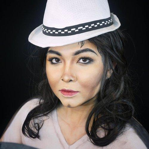 Annie are you okay? . . Topi kekecilan dipinjemin isa😂 . . . . #dirumahaja #stayhome #wakeupandmakeup #michaeljackson #mj #smoothcriminal #makeupforbarbies  #indonesianbeautyblogger #undiscovered_muas #viral @undiscovered_muas #clozetteid #makeupcreators #slave2beauty #coolmakeup #makeupvines #tampilcantik #mua_army #fantasymakeupworld #100daysofmakeup