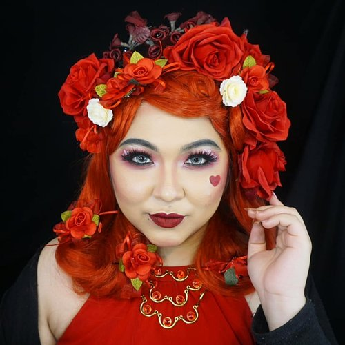 RED . Planning to make a rainbow theme makeup bcs of @mgirl83 #mindysrainbowchallenge . Tapi krn susah nemuin waktu, baru sempat bikin dua warna aja 😂 . . . . #dirumahaja #stayhome #wakeupandmakeup #red #redqueen #makeupforbarbies  #indonesianbeautyblogger #undiscovered_muas #viral @undiscovered_muas #clozetteid #makeupcreators #slave2beauty #coolmakeup #makeupvines #tampilcantik #mua_army #fantasymakeupworld #100daysofmatkeup