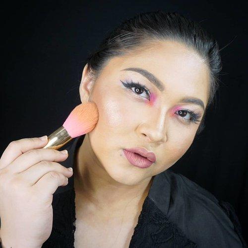 Padahal udah ready mau makeup bold nanti, eh hasil polling banyakan soft ternyata😂😂😂 . Ada ide soft yang gimana? 😁 . . . . #makeupforbarbies  #indonesianbeautyblogger #undiscovered_muas #fdbeauty #cchannelbeautyid @undiscovered_muas #clozetteid #makeupcreators #slave2beauty #coolmakeup #makeupvines #tampilcantik #redlipstick #newnormal #boldmakeup #100daysofmakeup