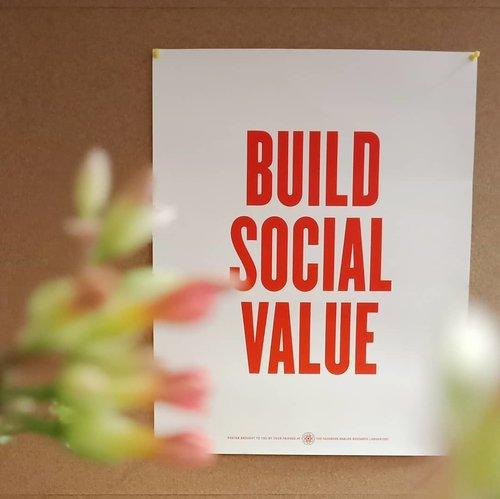 Daripada riuh di media sosial tentang pilpres 2019, mendingan berbuat hal sosial yang nyata 😊......#ClozetteID#instagood#instaquote#goodvibes#social#value#facebook#facebookIndonesia#ruangkomunal #RuangKomunalIndonesia