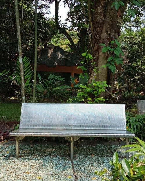It is the empty seats that listen most raptly-James Richardson......#ClozetteID#instagood#wednesdaywisdom #fromwhereistand#whileinbetween#storyportrait#visitJakarta#visitIndonesia#ragunanzoo#solitude#liburanlokal