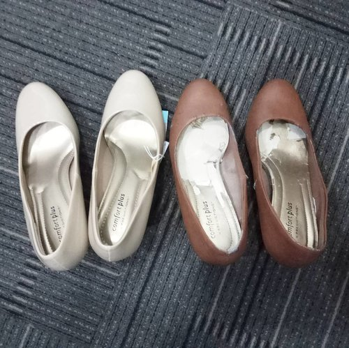 Goodbye good shoes, thank you! . Same shoes with different size and different color .. What is your favorite shoes? ... #ClozetteID #shoefie #paylessid #workattire #9to5chic #shoes #minimalist #theminimalist #rekomendaSiHemat #moodygrams #nude