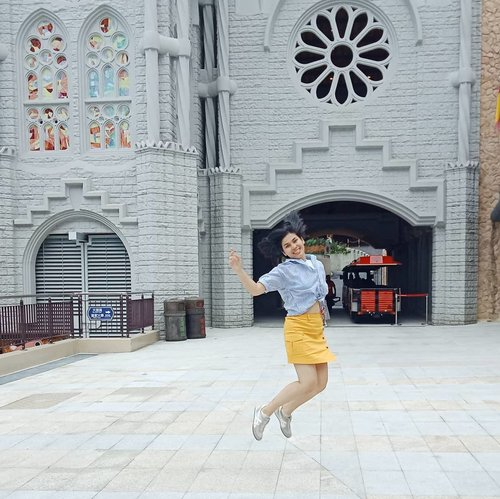 We are not perfect human beings, nor do we have to pretend to be... But it is necessary for us to be the best version of ourselves we can be......#ClozetteID#instaquote#instadaily#instagood#selfie#ShamelessSelfie#neiiTWtrip#wheninTaiwan#CreateMoments#instatravel#levitation