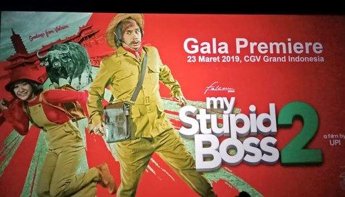 Kira kira apa kelakuan Boss Man yang bikin Kerani dkk hampir mati? Coba deh baca sinopsis #FilmMyStupidBoss2 di bit.ly/MyStupidBoss2 atau klik link di bio 😊.Terima kasih @cosmopolitanfm dan @falconpictures_ untuk undangannya 🙏..Ajak teman sekantormu Norton Di bioskop mulai Kamis, 28 Maret 2019!...#ClozetteID#MyStupidBoss2#FilmMSB2#CosmopolitanFM#GalaPremier#movieoftheweek#dukungfilmindonesia#filmindonesia#falconpictures#bungacitralestari#rezarahadian