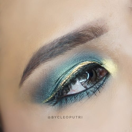 Udah lama banget ga main-main #eotd So here is my Latest EOTD..Kayaknya harus ngelemesin tangan lagi nih~~..#bblogger #bbloggerid #makeup #makeupaddict #makeupartist #makeupgeek #makeuptutorial #clozetteid #clozettedaily #eotd #makeupjunkie #makeuplover #makeuptutorial #ibv #indobeautyvlogger #lotd #lipoftheday #lotd #fotd #faceoftheday #indonesianbeautyblogger #setterspace