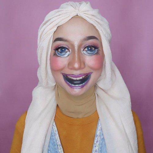 NUTCRACKER yang belum sempat ganti kostum 🤣😅Gak nemu baju yang matching sama make up dan gak sempet bikin juga. Jadi ya sudahlah ya...Btw bentar lagi ganti tahuuunnn. Punya resolusi gak? Klo ak mah udah capek ah bikin resolusi 😅#wianmainbrush #momoftwokrucils #clozetteid #makeupenthusiast #makeupoftheday #makeupnyabundawian #nutcrackermakeup #makeupnutcracker