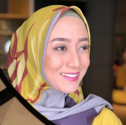 BERMASALAH LAGIHari ini kontrol jahitan ke dokter. Jahitan so far oke. Tapi belum bisa lepas perban. Yang jadi masalah adalah pencernaannya. Belum lancar pup sama sekali.Mungkin karena masih ada rasa takut di aku nya kali ya. Lepas perban aja, kakinya uget-uget dan tutup muka pake hijab 🤣. Makanya tadi sempet dibilang sama dokter klo rasa takut aku terlalu berlebih.Diminta lebih banyak minum air putih dan buah dan ditambah obat pencahar. Oke sip semoga setelah ini perut rata serata ertong-ertong setelah lahiran 🤣#clozetteid #ceritabundawian #momblogger #lifestyleblogger #fashionblogger #pascaoperasiususbuntu