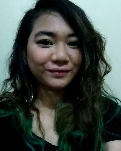 Chuu! 💋💋💋 Miss my green hair. Hmm.. ...#clozette #clozetteID#greenhairdontcare