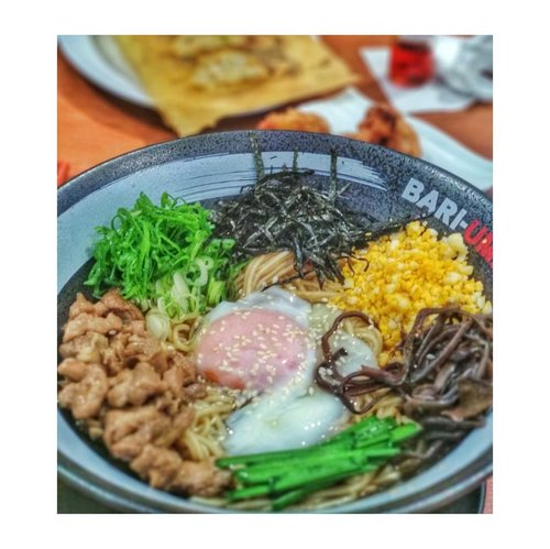 Umm..   WHAT IF you're having the sudden urge to eat a bowl (or two) of chicken #aburasoba, chicken karaage, and #gyoza and you're too lazy to leave your bed?   . . .  #food #foodie #foodporn #noodle #noodles #clozette #clozetter #clozetteid #foodgasm #aburasobajakarta #bariuma @bariumaramenid #bariumaramenid #bariumajakarta #ramen #ajengjajan