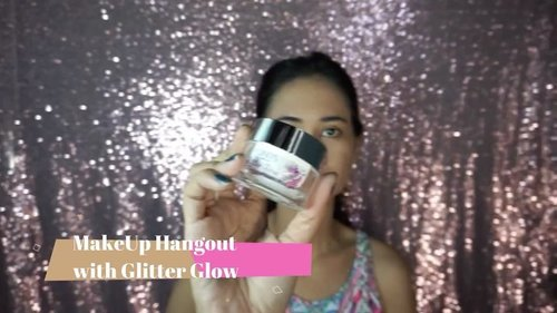 --- Bosen makeup pakai foundation tapi mau hangout, So kali ini aku buat makeup no Foundation just Produk Glitter Glow from @pondsindonesia hasilnya tetep buat glowing natural . . I'm using Glitter glow - Glitter Glow glitter cream - Glitter Duo Powder - Glitter Moisture Stick . . #glitterglow #pondsglitterglow #makeuphangout #clozetteid #beauty #makeup #lifestyle #blogger #influencer #naturalmakeup