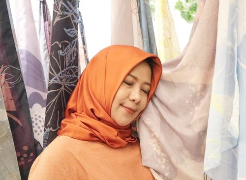 Akhirnya nemu si dia yang selama ini diimpikan. Lebay! 😁#hijab #IndonesiaFashionWeek #indonesiafashion #IFW2018 #clozetteid