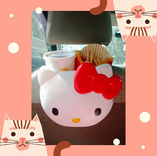 Finally I got you!!!...#hellokittycarrier #HelloKittyIndonesia #hellokittylover #hellokittyxmcdonalds #Clozetteid#KittyandMel
