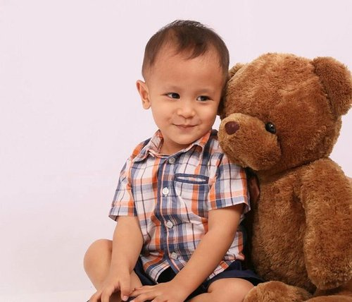 My oh-not-so-baby #ravasko #clozetteid 🐻 #kids #kid #instakids #child #children #childrenphoto #love #cute #adorable #instagood #young #sweet #pretty #handsome #little #photooftheday #fun #family #baby #instababy #play #happy #smile #instacute