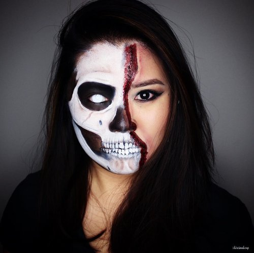 Warming up for Halloween...this look is on my youtube channel & blog, so click the link in my bio! 💀 ————————————————————————— #bbloggers #bbloggersCA #motd #eotd #gigirlarmy #fiercesociety #torontomua #torontoblogger #torontomakeupartist #beautyblogger #halloweenmakeup #under_ratedmakeup #hamont #hamontmua # #toronto #ancaster #featuremedita #clozette #clozetteid #skullmakeup