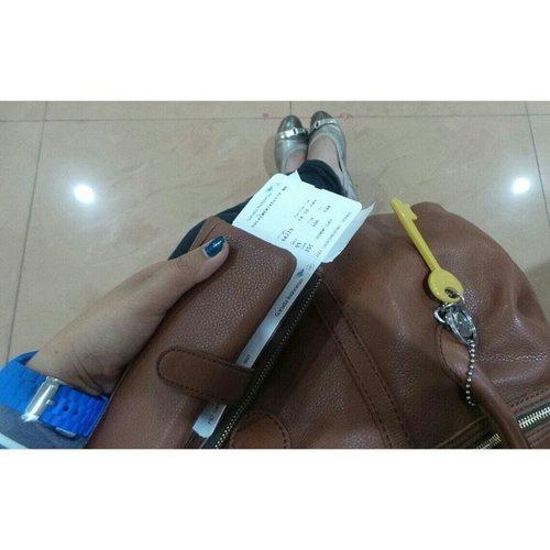 Let's go home! Bumi.... tunggu Ibu, yaaaa.... #bagoftheday #clozetteID #fossilbag #fossilindonesia