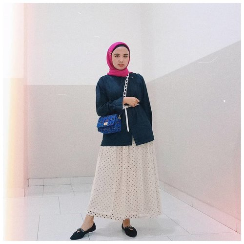 Weekend is coming~______#clozetteid  #modestfashion #styledumonde  #hijablook #ootd #fromwhereistand #chictopiastyle #hijabinspiration